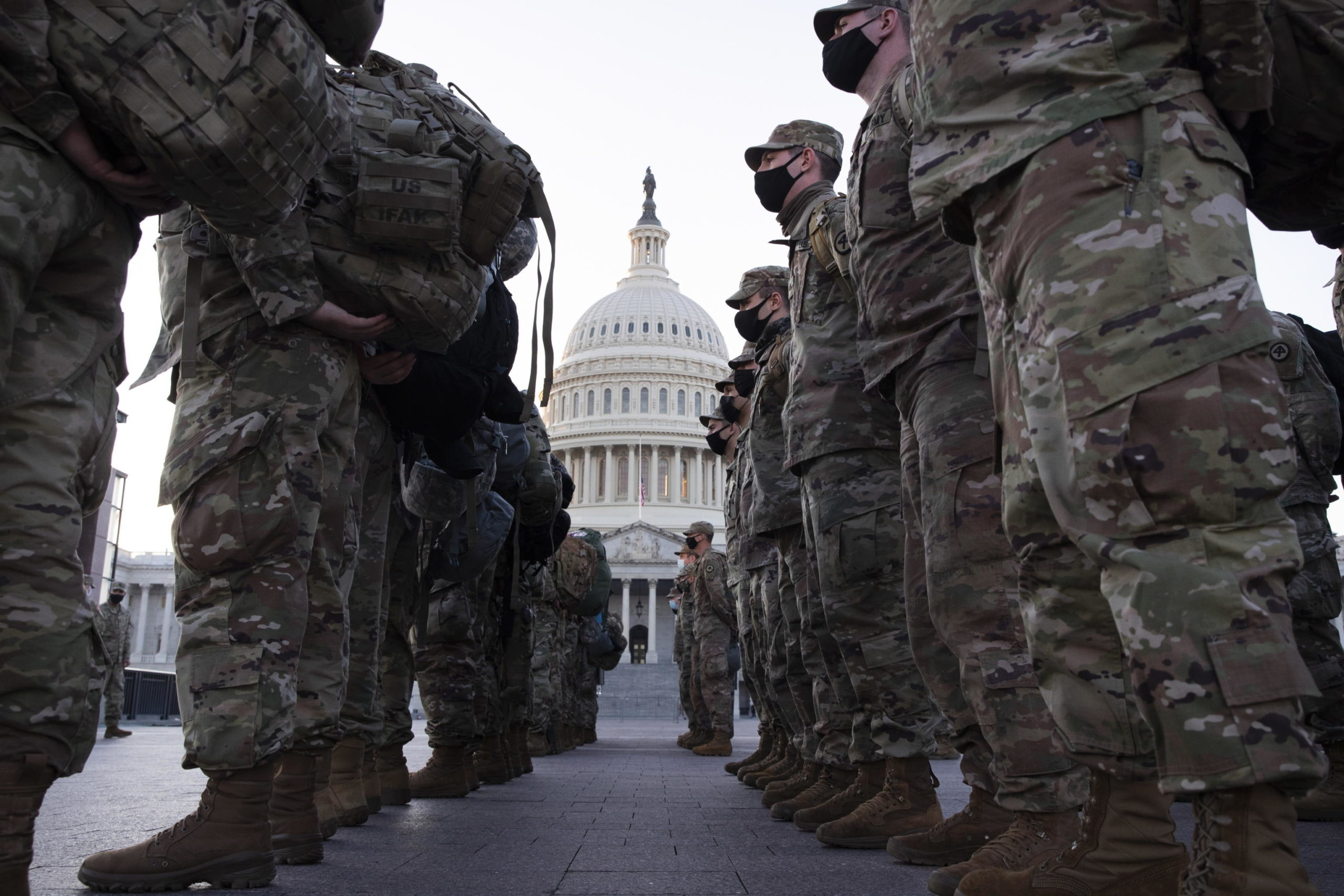 I soldati a presidio della zona