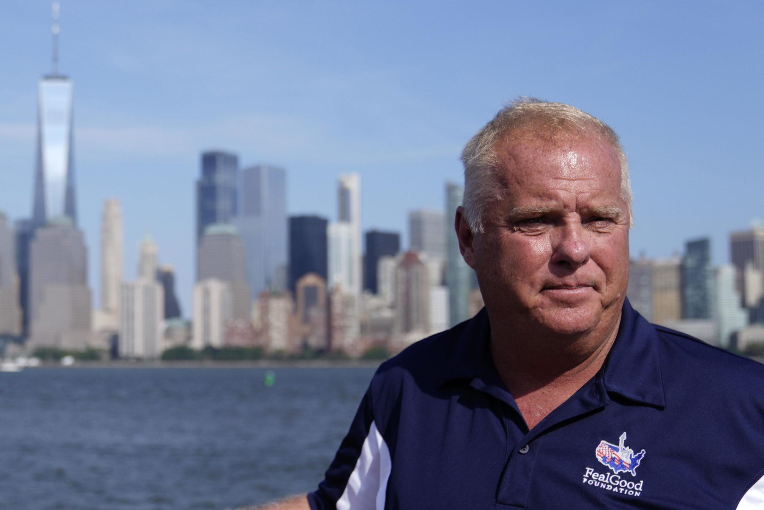 L'ex ufficiale Charlie Sullivan che ha sviluppato un tumore a seguito dell'attentato